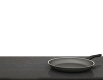 Fondo bianco isolato Pan On The Table On vuoto Fotografie Stock Libere da Diritti