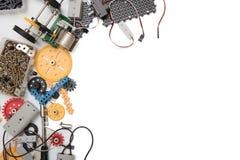 Fondo bianco stabilito del corredo di scienza di DIY o del GAMBO immagini stock libere da diritti