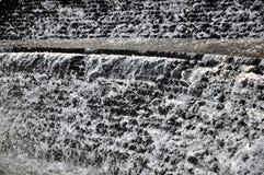 Fondo blanco de la cascada Imágenes de archivo libres de regalías