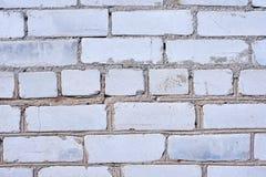 Fondo blanco de la pared de ladrillo en sitio rural, fotos de archivo