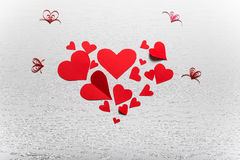 Fondo blanco de madera con los corazones rojos El concepto de Valentin Foto de archivo