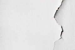 Fondo blanco llano con yeso agrietado Foto de archivo