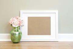 Fondo blanco vacío del marco - horizontal imágenes de archivo libres de regalías