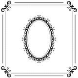 Fondo blanco y negro del vintage con el marco oval Fotografía de archivo libre de regalías