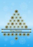 Fondo blu con l'albero di Natale dai fiocchi di neve dorati Immagini Stock Libere da Diritti