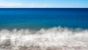 Fondo blu dell'onda di acqua dell'oceano del mare fotografia stock
