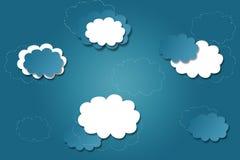 Fondo blu luminoso con le nuvole Fotografia Stock
