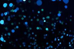 Fondo blu scuro fantastico del bokeh e confuso di tema nella caverna mystry fotografie stock libere da diritti