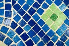 Fondo blu vivo del caleidoscopio Modello geometrico dipinto immagine stock