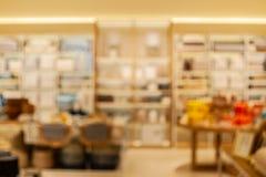 Fondo borroso de la tienda del home&decor en llave amarilla caliente foto de archivo libre de regalías