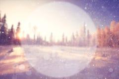 Fondo borroso del invierno con un círculo Fotos de archivo
