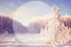 Fondo borroso del invierno con un círculo Imagenes de archivo