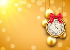 Fondo brillante del Año Nuevo 2018 con el reloj Cartel de oro 2018, plantilla festiva de las bolas de la decoración de la celebra Imágenes de archivo libres de regalías
