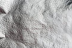 Fondo brillante di struttura del metallo della stagnola sgualcito argento Fotografia Stock