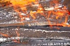 Fondo bruciante di legno immagine stock