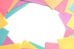 Fondo capítulo de muchas notas coloreadas del recordatorio Imágenes de archivo libres de regalías