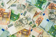 Fondo checo y euro de los billetes de banco Fotografía de archivo libre de regalías