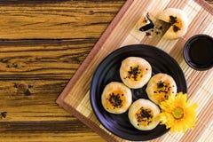 Fondo cinese del dolce/dolce cinese/dolce cinese su fondo di legno Fotografia Stock Libera da Diritti