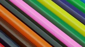 Fondo colorato delle matite Moto di legno Colourful delle matite video d archivio