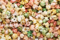 Fondo colorato di struttura del popcorn Popcorn dolce Fotografia Stock Libera da Diritti