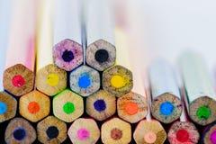 Fondo colorato differente delle matite del primo piano Fotografia Stock