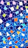 Fondo colorido de la pared de cerámica y de vitral en el phra t del wat Imagen de archivo libre de regalías