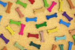 Fondo colorido de los huesos de perro Fotografía de archivo libre de regalías