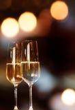 Fondo con dos vidrios del champán Imagen de archivo libre de regalías