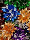 Fondo con gli ornamentali di Natale Fotografie Stock