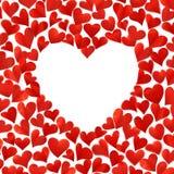 Fondo con i cuori rossi in 3D, spazio vuoto per testo nella forma del cuore, isolato su fondo bianco, biglietto di auguri per il  Fotografia Stock Libera da Diritti