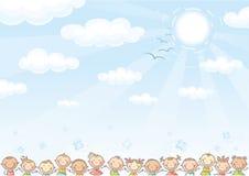 Fondo con il cielo ed i lotti dei bambini Immagine Stock