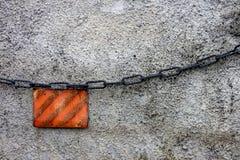 Fondo con la catena ed il segnale Immagini Stock