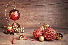Fondo con las chucherías de la Navidad, espacio de la Navidad del vintage del texto Fotografía de archivo libre de regalías