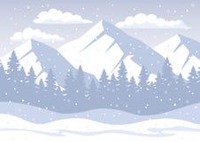 Fondo con las montañas rocosas, bosque del pino, colinas de la nieve, copos de nieve del invierno de la Navidad blanca Foto de archivo libre de regalías