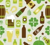 Fondo con le siluette della birra Immagine Stock