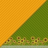 Fondo con los campos coloridos, los girasoles y la cerca blanca Imagen de archivo libre de regalías