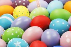 Fondo con los huevos de Pascua Imágenes de archivo libres de regalías