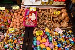 Fondo con los huevos de Pascua Foto de archivo libre de regalías