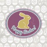 Fondo con los huevos, la etiqueta y el conejo de Pascua Fotos de archivo