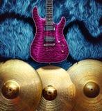 Fondo con los instrumentos musicales Fotos de archivo