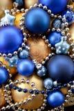Fondo con los ornamentos de la Navidad Imagen de archivo