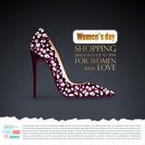Fondo con los tacones altos oscuros femeninos de Borgoña en encariñado negro Zapatos florecidos blancos, impresión elegante ilustración del vector