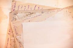 Fondo con los viejos papeles y letras Fotografía de archivo