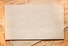 Fondo con los viejos papeles y letras Imágenes de archivo libres de regalías