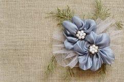 Fondo con un centro de flores Fotografía de archivo libre de regalías