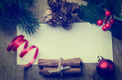 Fondo confinato con le decorazioni - retro H del messaggio di Natale Immagine Stock Libera da Diritti