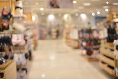 Fondo confuso astratto dei dettaglianti nel centro commerciale fotografia stock libera da diritti
