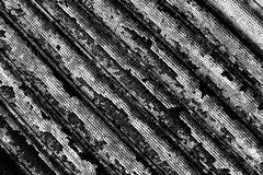Fondo corroso in bianco e nero del metallo fotografie stock