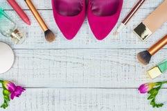 Fondo cosmetico femminile Fotografia Stock Libera da Diritti