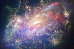 Fondo cosmico della galassia con le nebulose, lo stardust e le stelle luminose fotografia stock